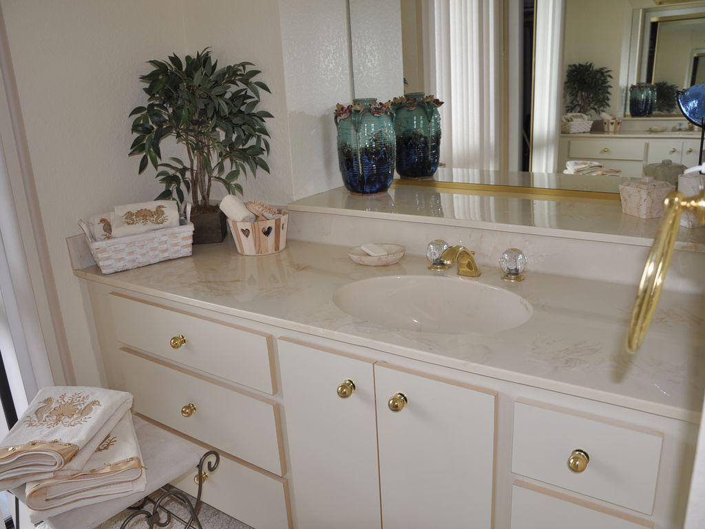 Large Master Bath dressing room